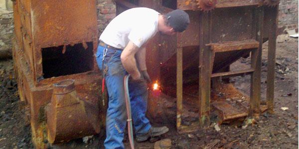 Brennarbeiten und Demontagen für große Industrieanlagen